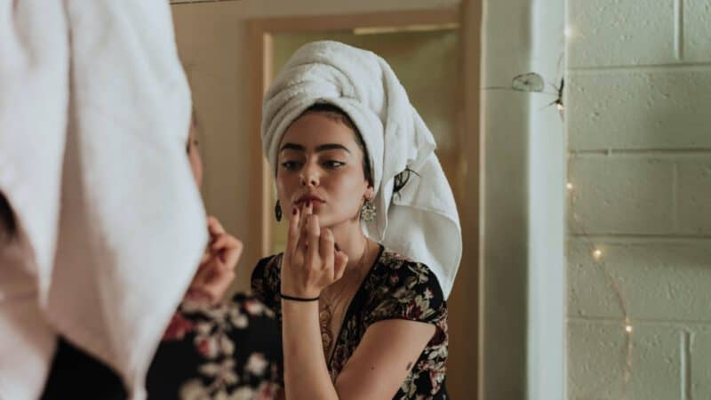 Kobieta dba o skórę